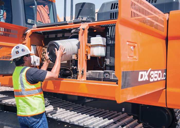 Tips to Keep Your Excavator Working at Its Peak Performance Throughout the Busy Work Season