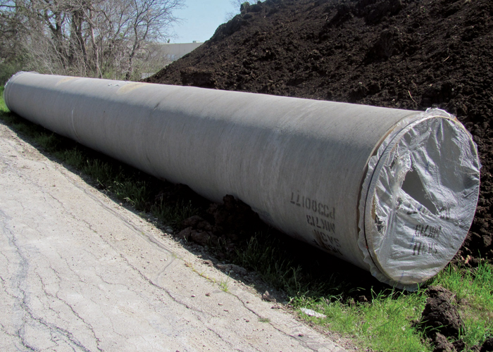 Layne Heavy Civil Installs  Large Diameter Pipe Safely with Efficiency Trench Boxes