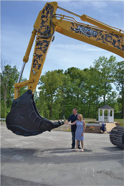 KOBELCO Celebrates Finke & Sons Grand Opening