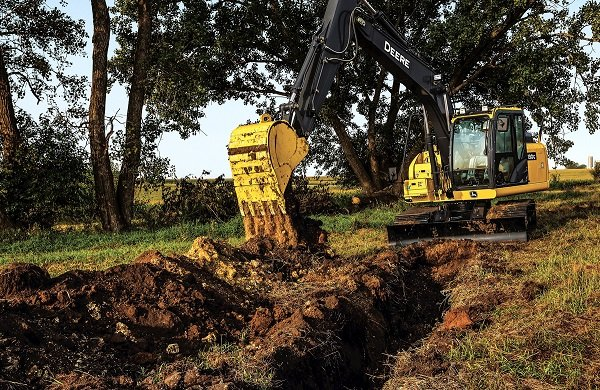 John Deere Introduces 130G, 160G LC and 180G LC Excavators