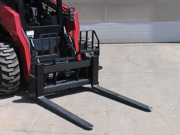 Paladin Expands Pallet Fork Offering