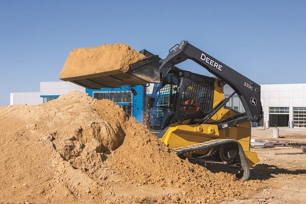 John Deere Introduces Large-Frame Skid Steers and Compact Track Loaders