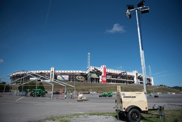 Doosan Portable Power Light Towers Added to Roster for Record College Football Game