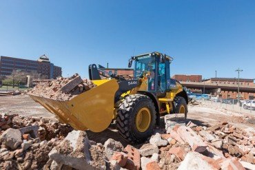 Wheel Loaders Offer Versatility and Big Power on the Job