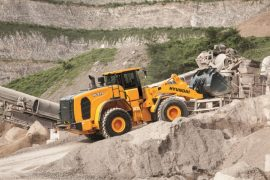 Hyundai HL975 at crusher