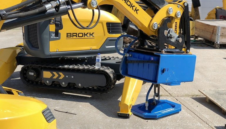 Brokk Partners with Vacuworx to Offer Vacuum Lifting Attachments
